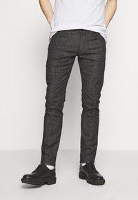 Emporio Armani - NEON - Jeans Slim Fit - nero/verde - 0
