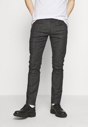 NEON - Jeans slim fit - nero/verde