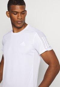 adidas Performance - RESPONSE RUNNING SHORT SLEEVE TEE - T-shirt med print - white - 4