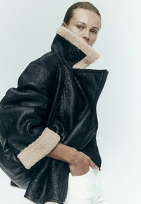 Massimo Dutti - BIKER LAMMFELL - Leather jacket - black - 2