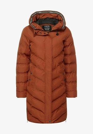 MIT KAPUZE - Winter coat - braun