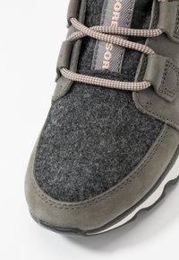 Sorel - KINETIC CARIBOU - Ankle boots - quarry - 2