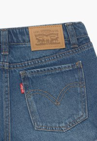 Levi's® - GIRLFRIEND - Denim shorts - evie - 3