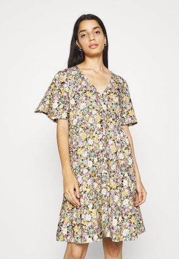 OBJJASIA V-NECK DRESS  - Vestido informal - sandshell