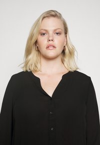 Vero Moda Curve - VMISABELLA NORMAL SHIRT CURVE - Blouse - black - 3
