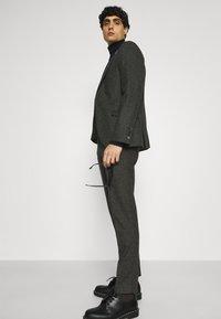 Shelby & Sons - CRANBROOK SUIT - Suit - khaki - 7
