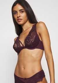 Hunkemöller - LATISHA UP - Triangle bra - potent purple - 3