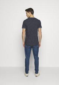 Nerve - T-shirt med print - navy - 2
