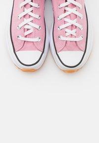 Converse - RUN STAR HIKE - Zapatillas altas - lotus pink/white/black - 7