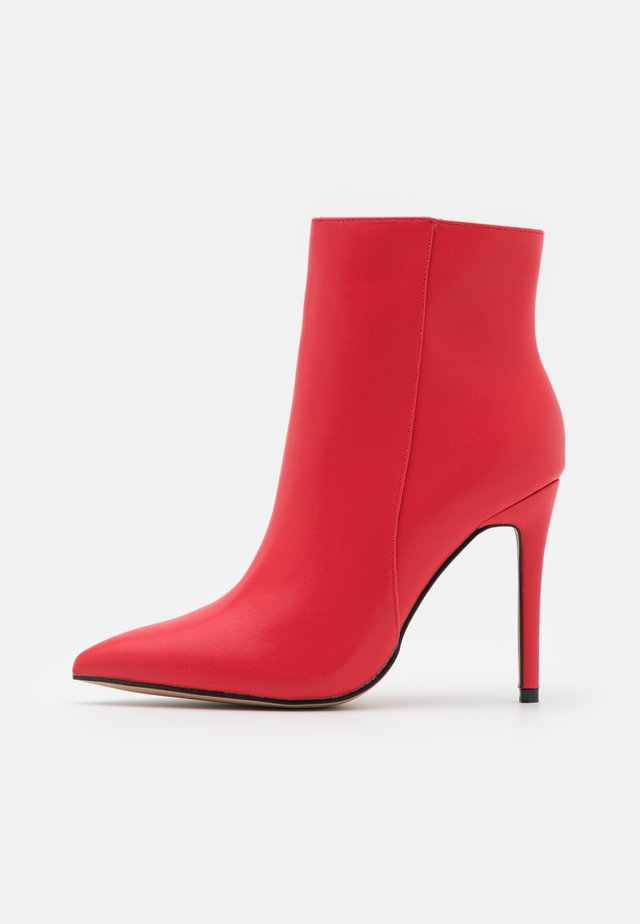 ALYSE - Bottines - red