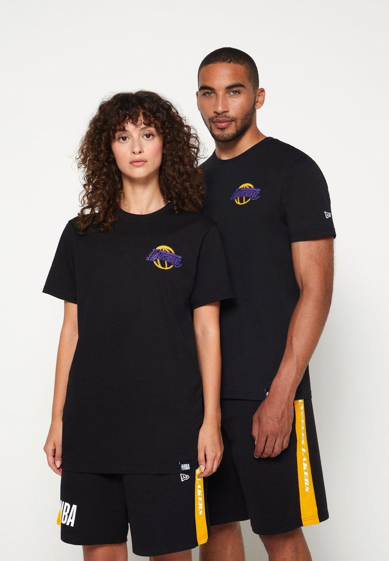 New Era - NBA LOS ANGELES LAKERS NEON TEE - Club wear - black