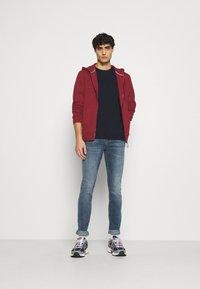 Springfield - BASICA ABIERTA - Zip-up hoodie - red - 1