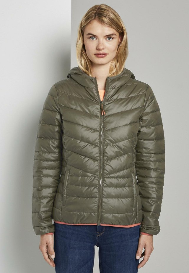 LIGHT PADDED JACKET - Lehká bunda - deep olive green