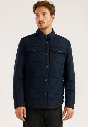 MIT AUFGESETZTEN TASCHEN - Light jacket - cosmic blue
