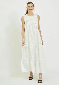 Vila - Maxi dress - cloud dancer - 1