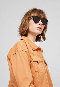 McQ Alexander McQueen - Lunettes de soleil - black - 3