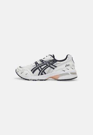 GEL-1090 - Sneakers laag - white/midnight