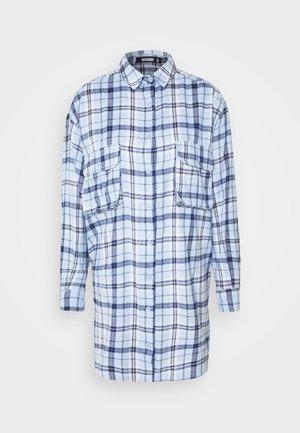 OVERSIZED DRESS CHECK - Denní šaty - powder blue