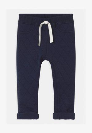 Trousers - smoking