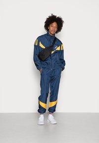 adidas Originals - RIPSTOP TRACK  - Jakna za treniranje - collegiate navy - 1