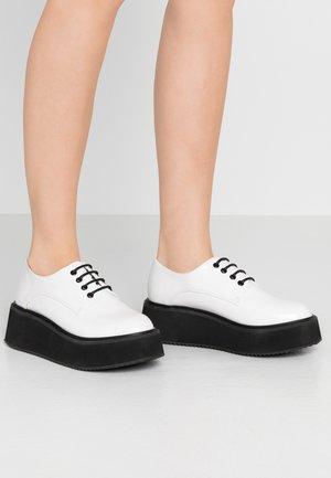 VEGAN  - Šněrovací boty - white