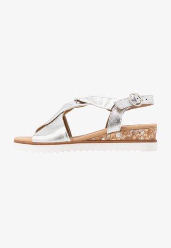Wedge sandals - silber