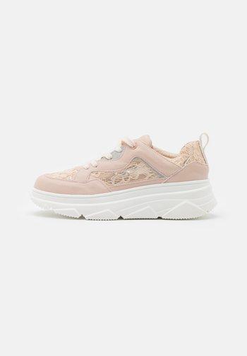 LORELLE - Sneakers laag - light pink
