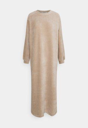 MODESTY OVERSIZED MAXI DRESS WITH ROUND NECKLINE - Vestido largo - stone