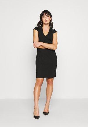 Pouzdrové šaty - black/black