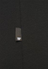 11 DEGREES - DEGREES BOX GRAPHIC - Triko spotiskem - black - 6