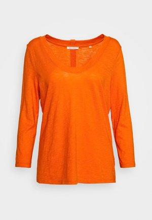 SLEEVE ROUNDED NECK STITCHING DETAIL - Long sleeved top - sunbaked orange