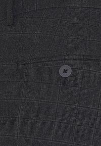 Jack & Jones PREMIUM - JPRSEERSUCKER TROUSER - Pantaloni - dark grey - 7
