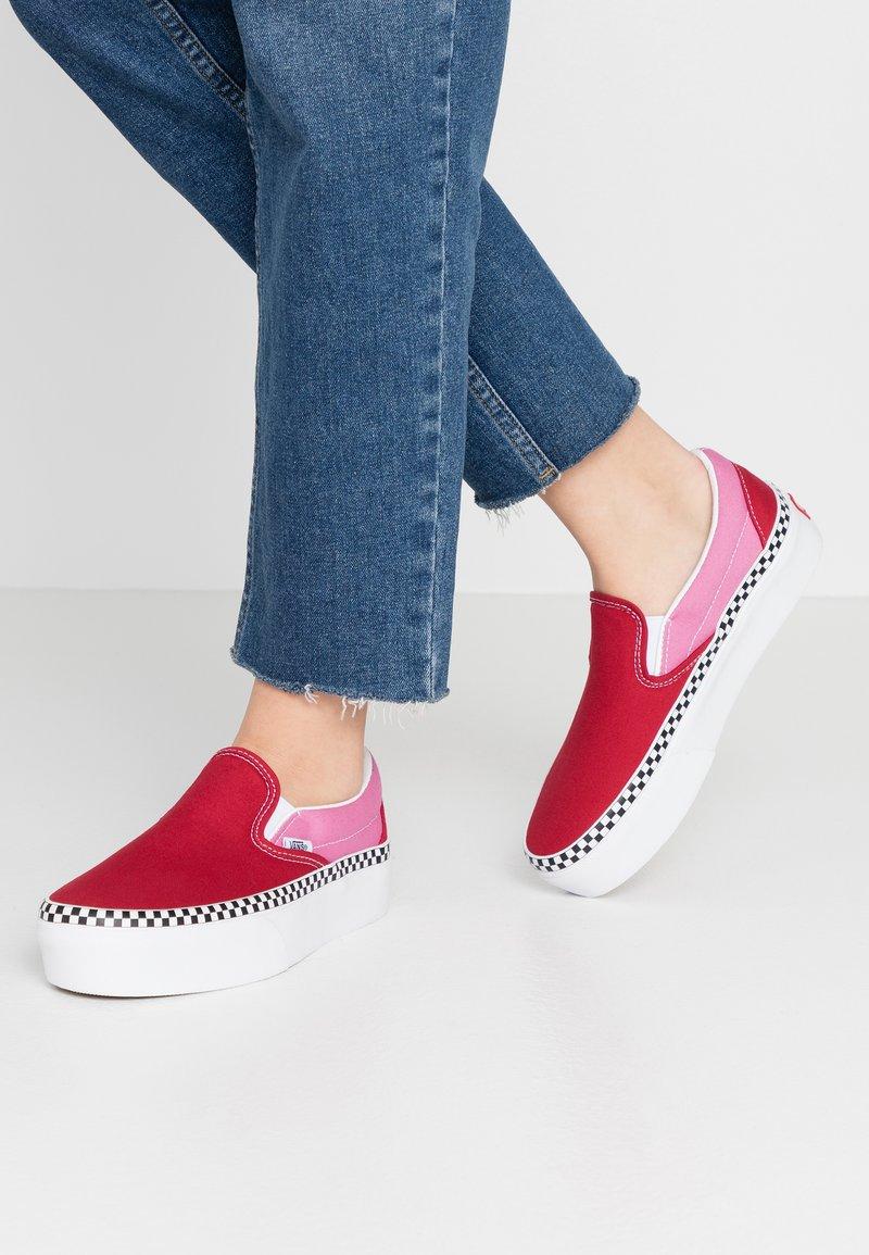Vans - CLASSIC - Slip-ons - chili pepper/fuchsia pink