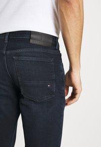 Tommy Hilfiger - EXTRA SLIM LAYTON - Jeans slim fit - burke blue - 4