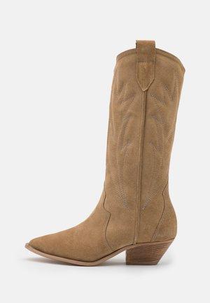 WANNA KNOW U - Cowboy/Biker boots - brown