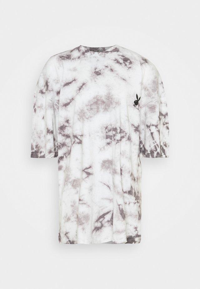 PLAYBOY TIE DYE OVERSIZED DRESS - Žerzejové šaty - charcoal