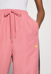 adidas Originals - PANTS - Pantalon de survêtement - hazy rose/acid yellow/black - 5