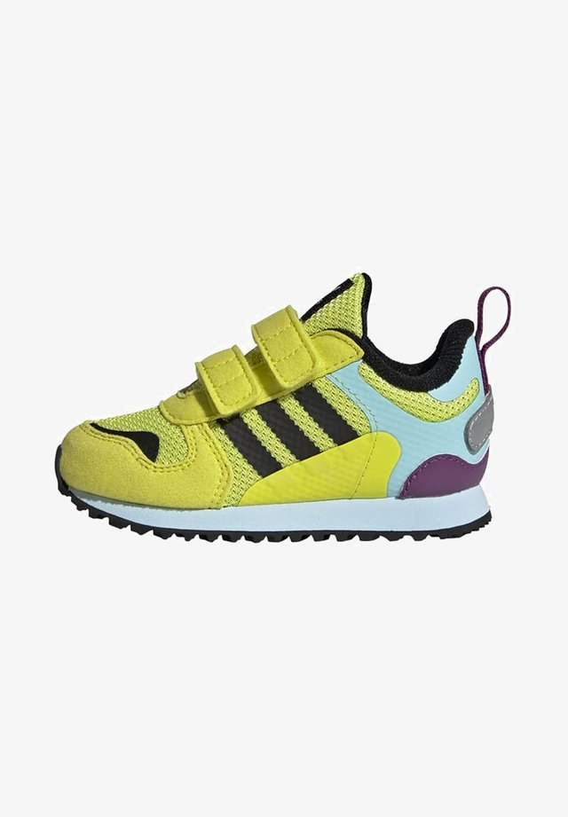 ZX 700 SHOES - Sneakers laag - yellow