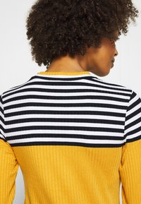 edc by Esprit - COLORBLOCK  - Jumper - brass yellow - 6