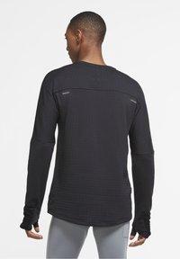 Nike Performance - SPHERE ELEMENT CREW 3.0 - Fleece jumper - black/black - 2