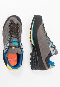 Mammut - KENTO LOW GTX MEN - Climbing shoes - dark titanium/freesia - 1