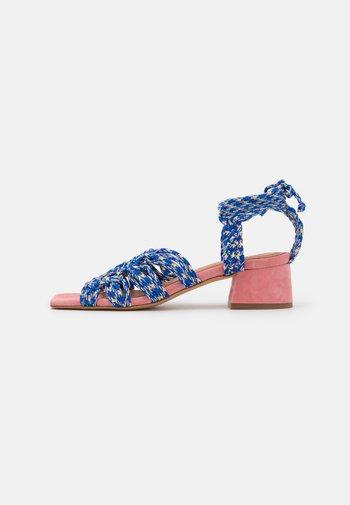 Sandals - azul/rosa/amarillo