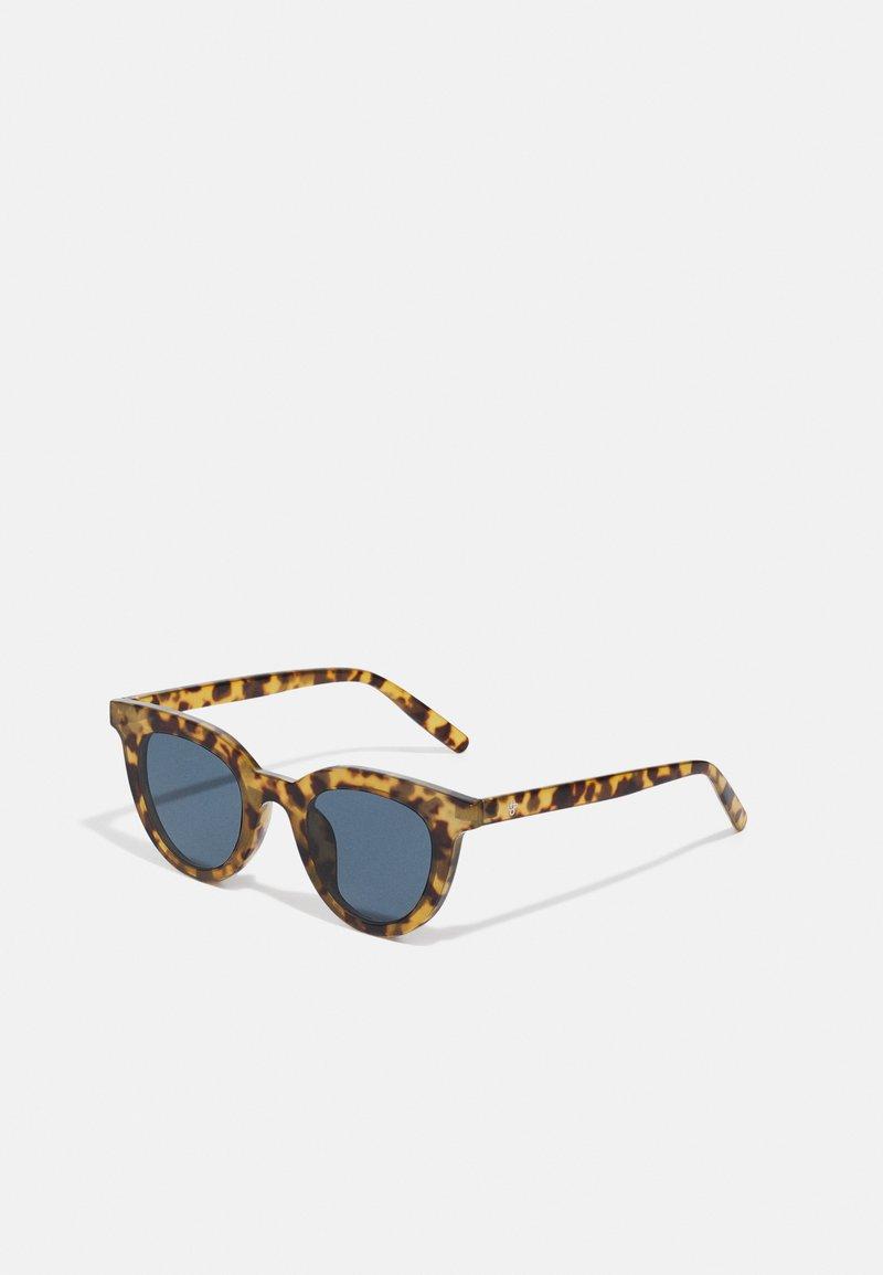 CHPO - LÅNGHOLMEN UNISEX - Sunglasses - brown