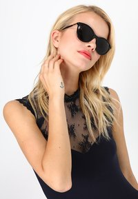 VOGUE Eyewear - Zonnebril - black - 1
