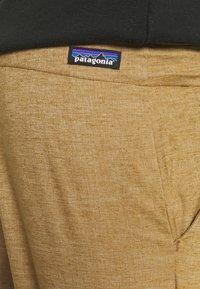 Patagonia - HAMPI ROCK PANTS - Trousers - coriander brown - 5