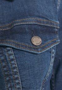 Marc O'Polo DENIM - JACKET REGULAR LENGTH PATCHED POCKETS - Denim jacket - multi/true indigo mid blue - 3