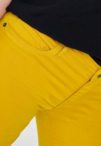 ONLY - RAIN - Jeans Skinny - yellow - 3