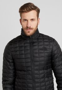 The North Face - THERMOBALL ECO JACKET - Winter jacket - black - 3