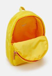 The Marc Jacobs - UNISEX - Batoh - yellow - 2