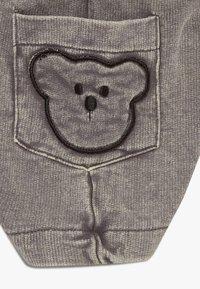Turtledove - BEAR POCKET HAREM BABY  - Szorty - dark grey - 4